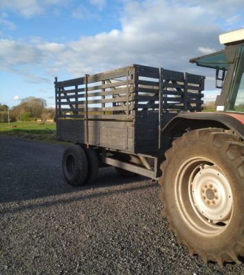 Turf Tipping Trailer